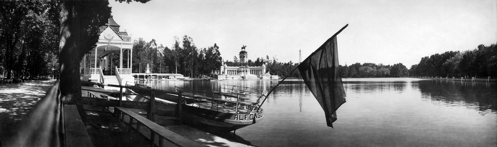 Madrid. Estanque del Retiro. 1919-1930. Archivo Regueira. Filmoteca de Castilla y León. ©Derechos reservados.