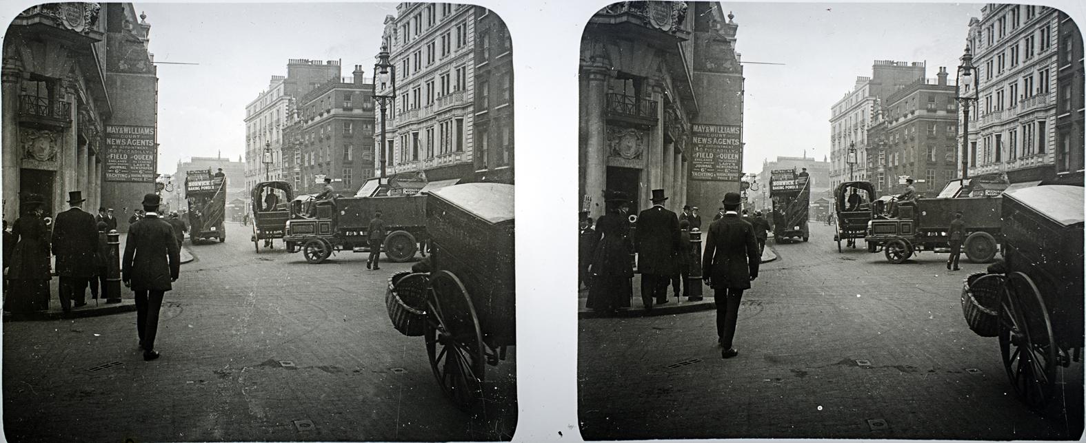 Una calle de Londres. 1910. ©Herederos F. Avial.